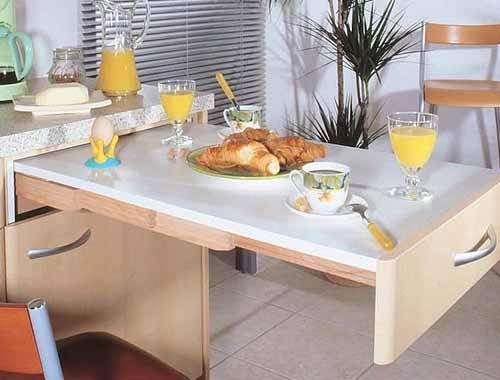 stol-dlja-malenkoj-kuhni_7