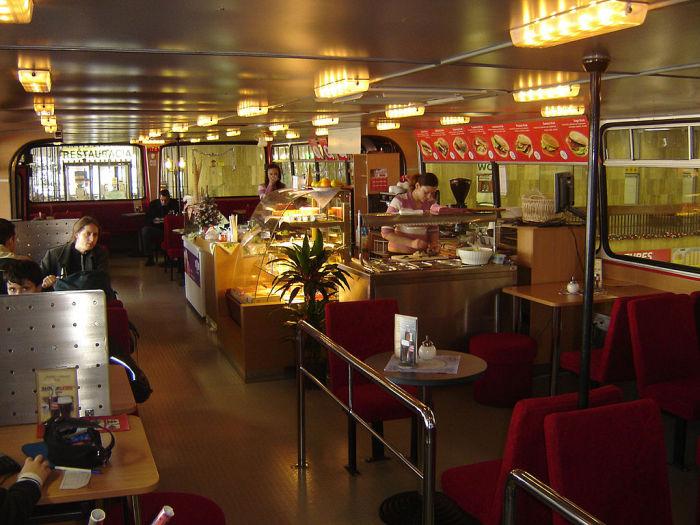 1024px-ikarus-bus-restaurant002