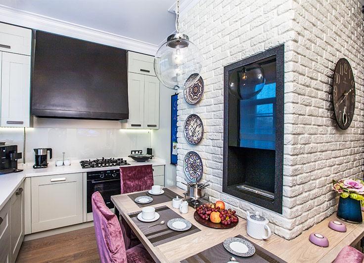 Белый декоративный кирпич в интерьере кухни фото