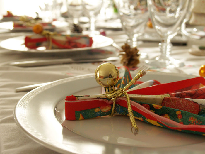nice-christmas-dinner-table-decorations