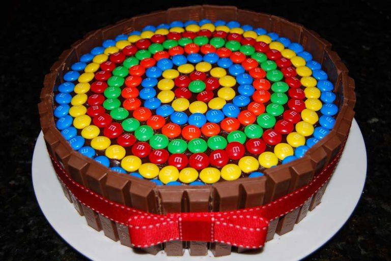 Украшение торта m m s