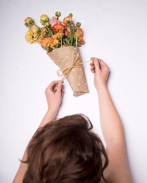 Как можно сделать упаковку для цветов 424