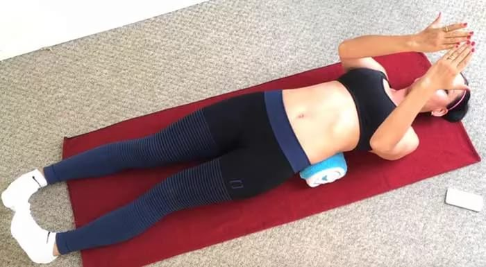 Как сделать валик под спину