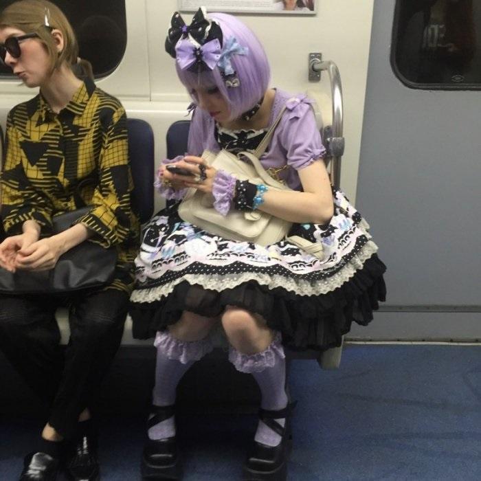 modniki-v-metro-18