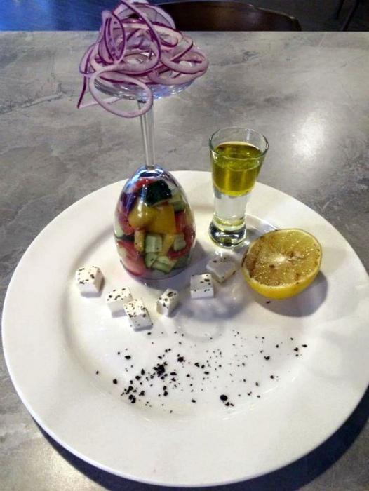 3food-serving-restaurant
