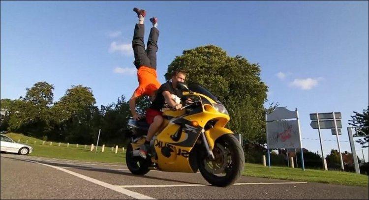extreme_handstand_002