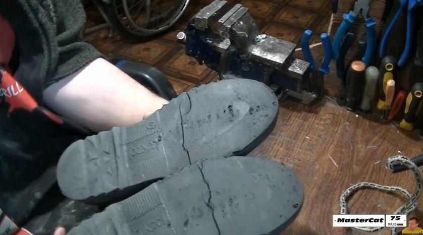 Как отремонтировать подошву кроссовок своими руками 95